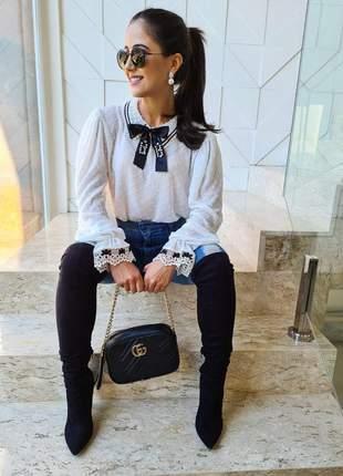 Camisa princesa com detalhes pretos coleção momentos