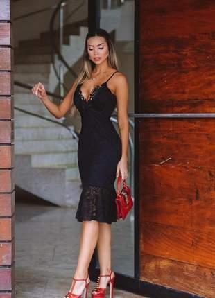 Vestido preto midi