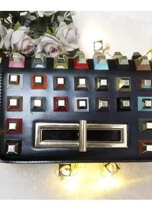 Bolsa quadrada com spikes
