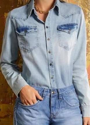 Camisa jeans com botões frontal.  tam.42