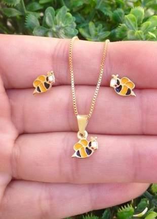 Conjunto kit infantil brinco e pingente abelha bee movie banhado a ouro 18k