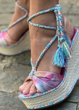 Sandália anabela salto alto plataforma amarração corda