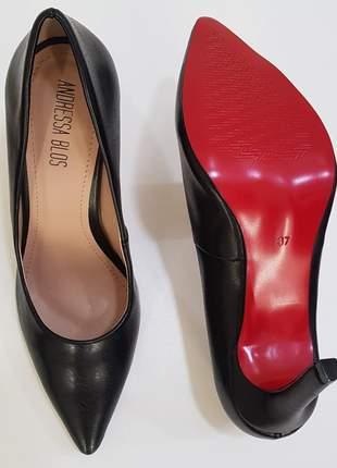 Sapato sola vermelha scarpin preto fosco bico fino salto alto 10 cm