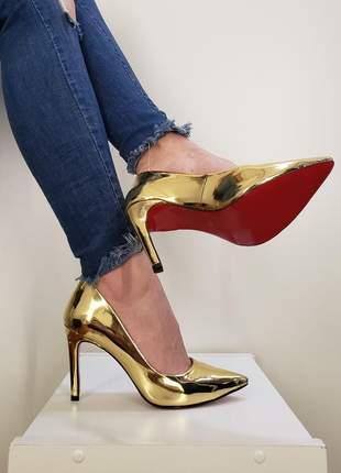 Sapato dourado ouro brilhoso scarpin bico fino com sola vermelha salto 10 cm metalizado