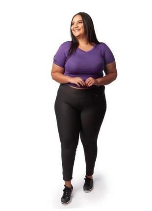 Calça legging modeladora plus size suplex com cintura alta preta