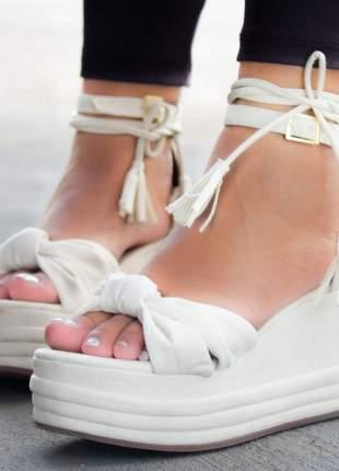 Anabela feminina salto médio off white ane