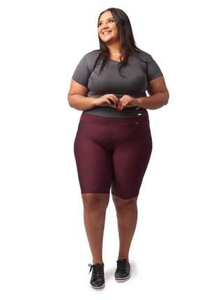 Bermuda fitness com cintura alta plus size bordô