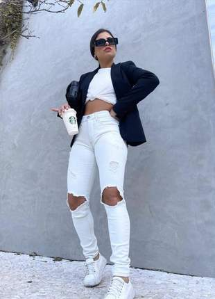 Calça skinny clara