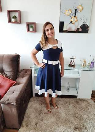Vestido feminino midi com detalhes moda evangelica