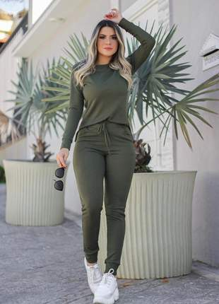 Conjunto feminino de blusa de manga longa e calça de malha canelada verde