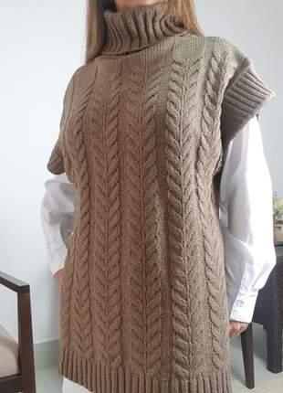 Colete gola alta em tricot mousse
