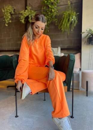 Conjunto de calça e blusa neon de moletom