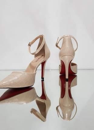 Sapato sola vermelha scarpin nude croco com tira salto 10