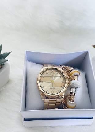 Relógio estiloso