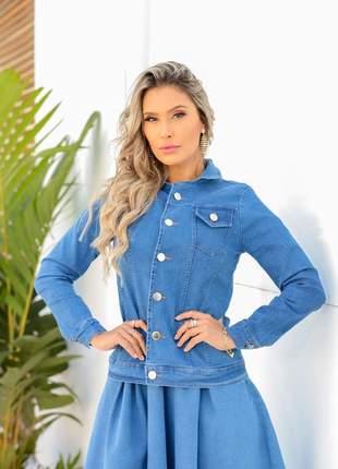 Jaqueta jeans  tradicional com bolso