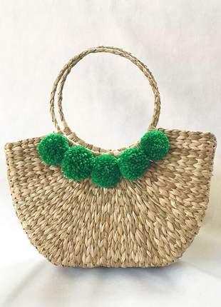 Bolsa de palha meia lua pompom verde