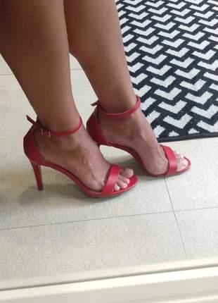 Sandalia feminina salto fino vermelha dali shoes