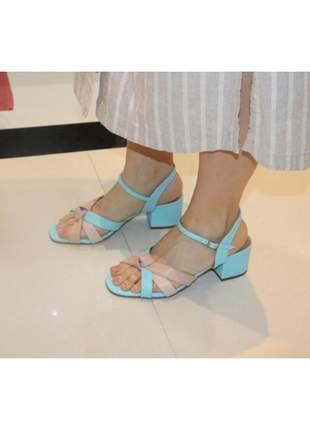 Sandália feminina salto médio