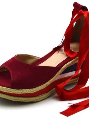 Sandália anabela salto médio tiras paralelas vermelha amarrar na perna