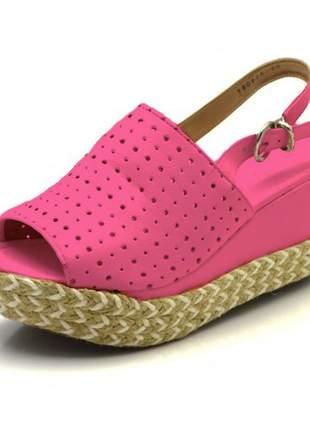 Sandália anabela perfurada salto médio napa rosa pink corda flat form