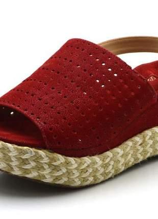 Sandália anabela perfurada salto médio vermelha