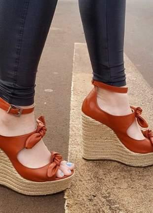 Sandalia anabela moda lacinho courino
