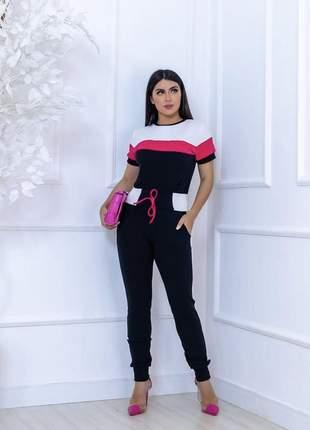 Conjunto  feminino em malha crepe  veste com  estilo