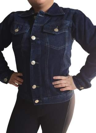 Jaqueta feminina com bolso na frente