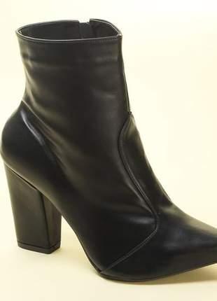 Bota feminina bico fino cano curto preta lindaella