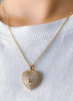 Colar chave cravejado de pequenas zircônias cristais banhada a ouro 18k garantia um ano