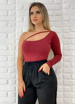Body feminino manga longa um ombro só com decote + brinde40