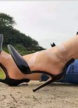 Sapato feminino cecconelo scarpin com transparência.