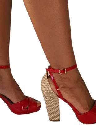 Sandália meia pata salto grosso quadrado bloco verniz couro