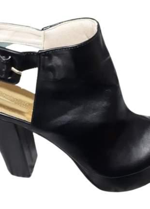 Bota cano curto feminina meia pata plataforma salto grosso
