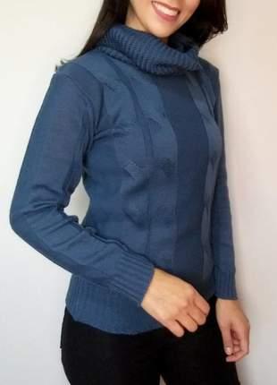 Blusa tricô manga longa e com gola
