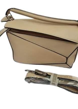 Bolsa feminina pequena de mão com alça lateral removível