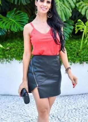 Short saia de corino, disponível p,m g, cor preto