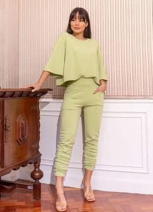 Conjunto de calça e blusa no moletinho