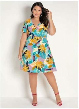 Vestido plus size folhagem transpassado moda plus midi
