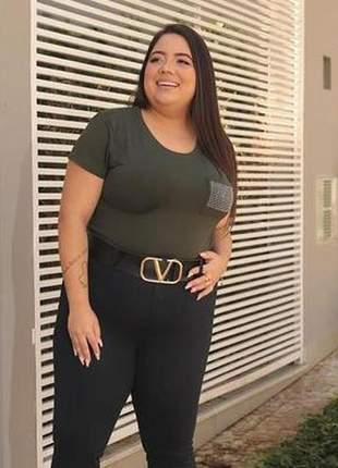 Blusa tshirt feminina bolsinho com aplicação prateada tecido viscolaycra moda menina