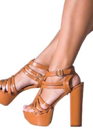 Sandália feminina meia pata salto alto grosso