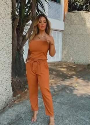 Conjunto social de calça e cropped de alcinha