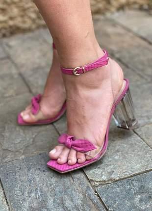 Sandália rosa transparente vinil salto acrílico