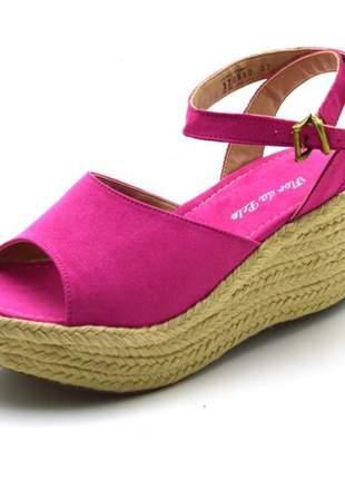 Sandália  anabela salto médio em camurçado rosa pink