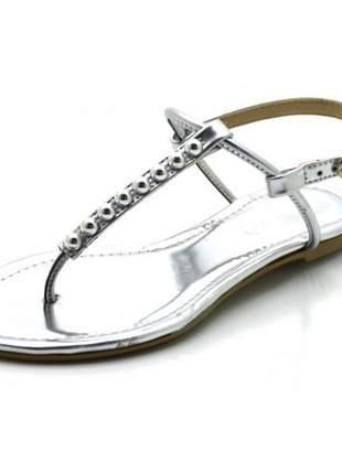 Sandália rasteira com tira reta e meia bola em verniz prata