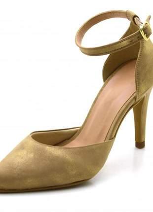 Sapato scarpin salto alto fino em camurçado nude cintilante