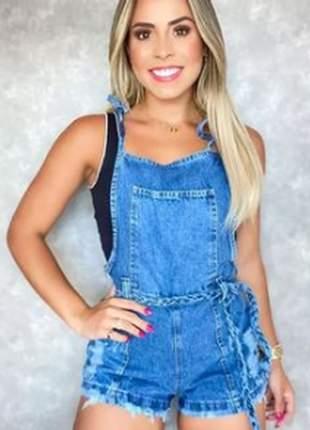 Jardineira jeans, acompanha cinto. tamanhos: 36 ao 44 mira