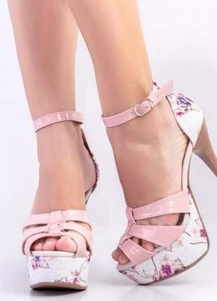 Sandália feminina meia pata salto alto fino