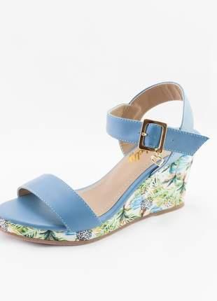 Sandália anabela debelly azul com estampa floral