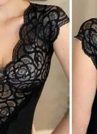 Body feminino de renda manga curta com bojo decote v moda